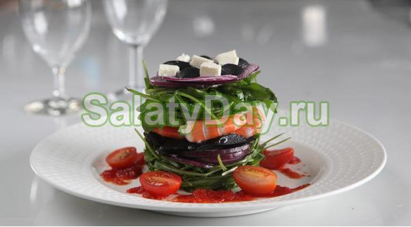 Салат с креветками и синим луком