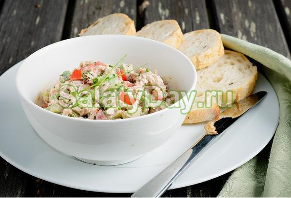 Классический салат-закуска с консервированным тунцом