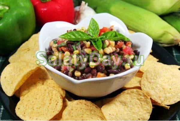 Салат с фасолью и кукурузой, грибами