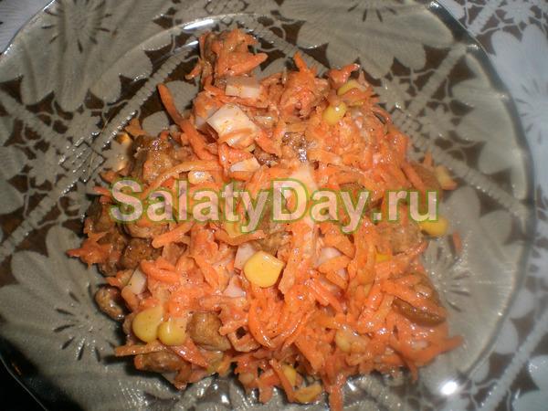 Салат с корейской морковью, грибами и фасолью