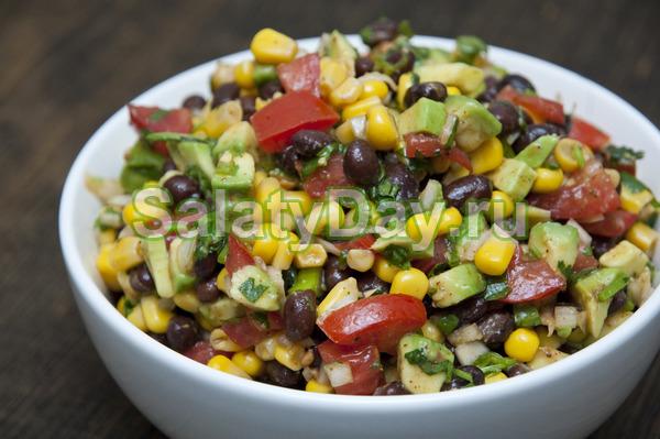 Простой рецепт постного салата с фасолью