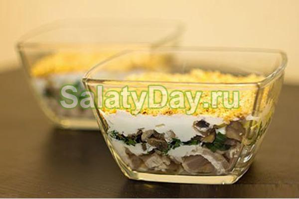 Салат Сказка с курицей и грибами – базовый рецепт