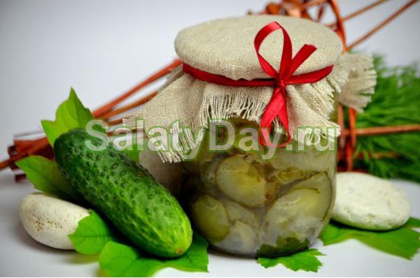 Нежинский салат с чесноком
