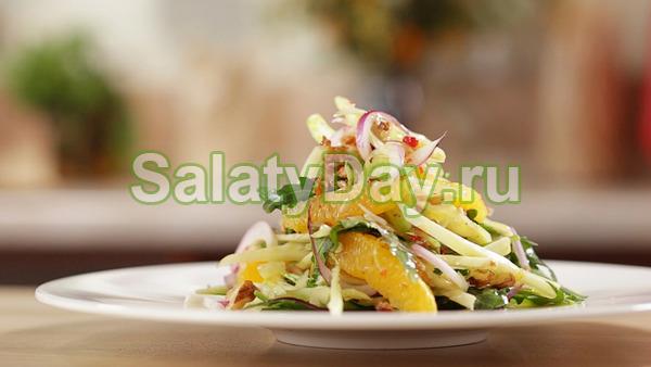 Салат из капусты с болгарским перцем и апельсином