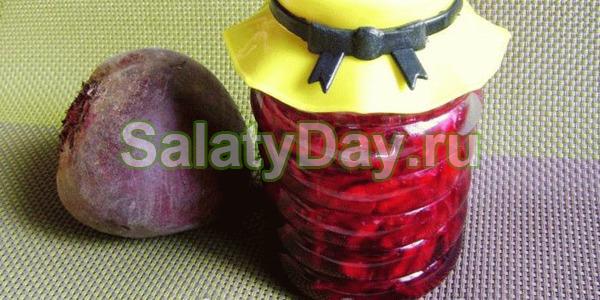 Салат «Аленка» из свеклы с добавление сладкого перца и помидоров – прекрасная закуска и ингредиент для других салатов