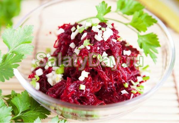 Салат с добавлением грецких орешков понравится вегетарианцам