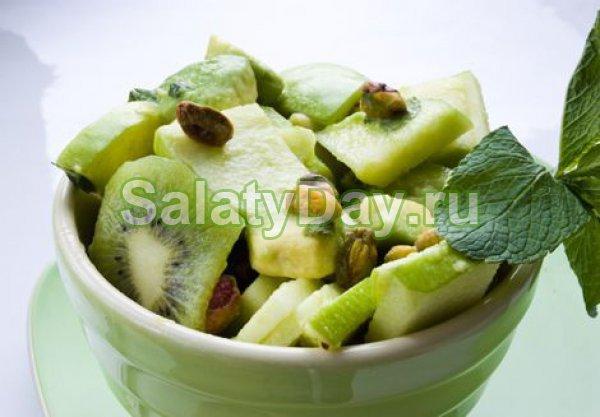 Салат из кабачков сырых с киви