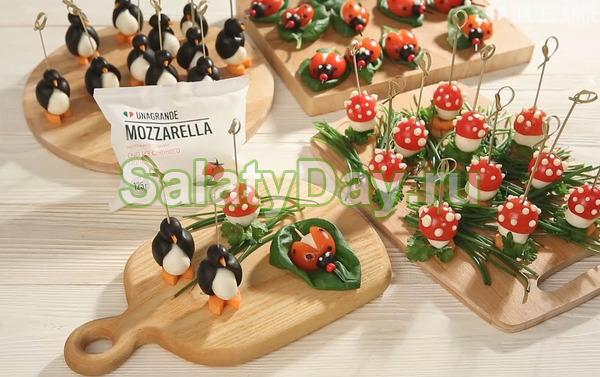 Закуски с моцареллой и помидорами