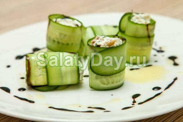 Рулетики из огурца с яичным салатом