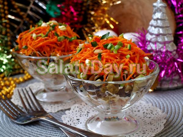 """""""Новогодний"""" салат с корейской морковью и фасолью"""