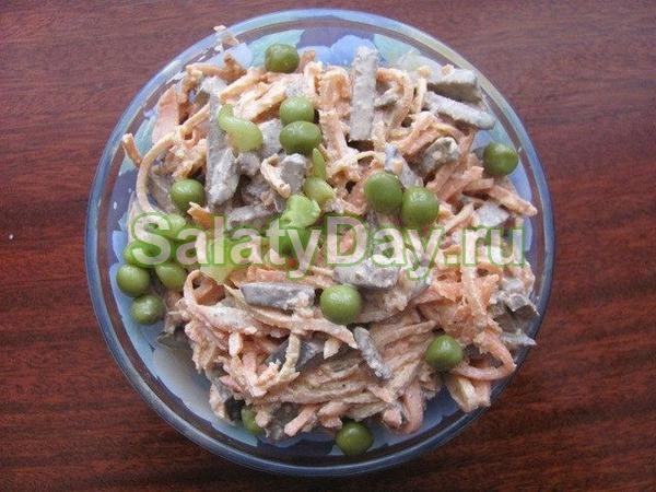Салат с копченой курицей и корейской морковью – «Гурман»