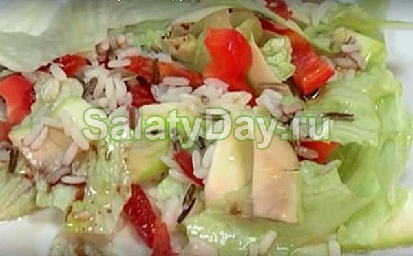 Салат с вялеными черри и цуккини