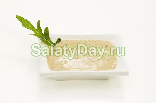 Орехово-чесночный соус