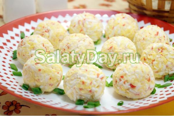 Закуска из крабовых палочек в виде шариков