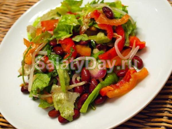 Салат с фасолью, ветчиной и болгарским перцем