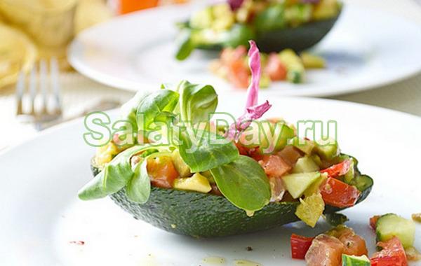 Салат с семгой и авокадо «Подружка»